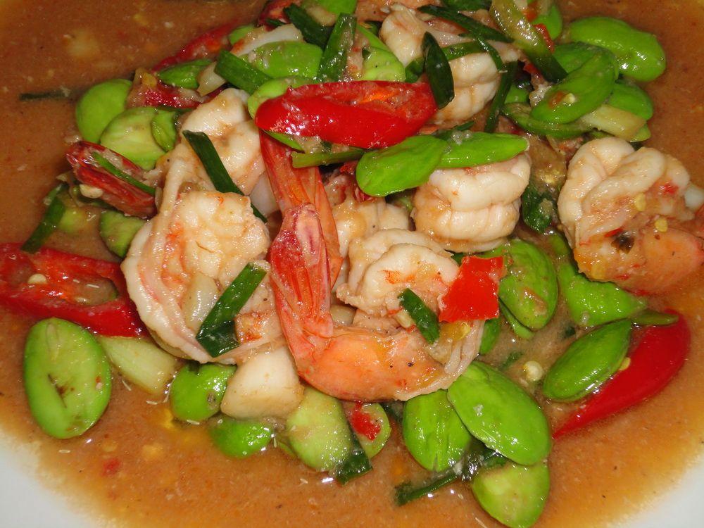 Thai cuisine recipes goong sator pad gapi thai food recipe thai cuisine recipes goong sator pad gapi thai food recipe shrimps and fava beans forumfinder Choice Image
