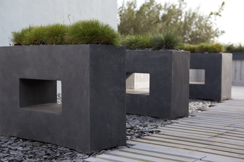 Des Jardinières Design En Fibre De Ver Outdoor Furniture