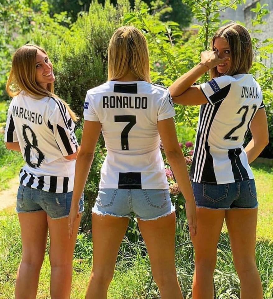 Un tridente que emociona a la hinchada de la Juve.. | Uniformes de futbol mujer, Frases de futbol femenino, Futbol chicas