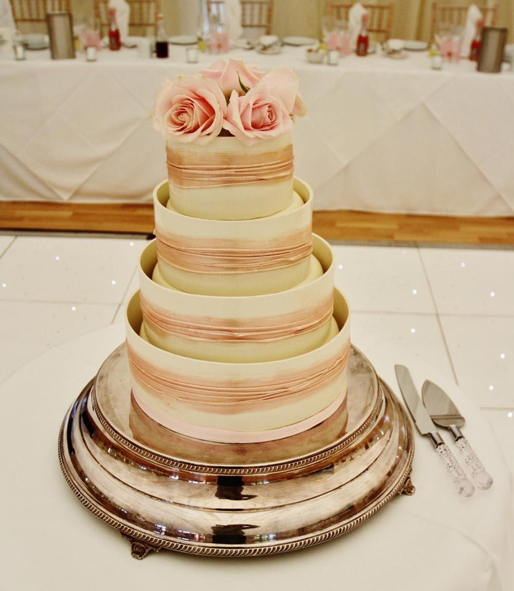 beautiful wedding cake stand inspiration