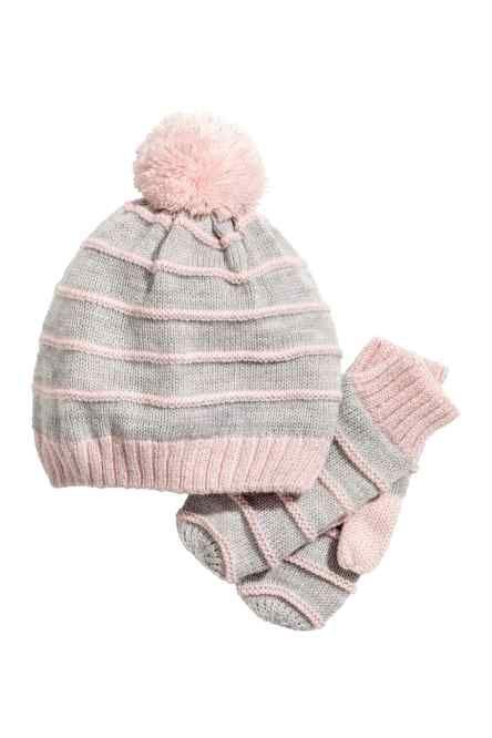 H M vous propose une large gamme d accessoires pour fille de 18 mois à 8 ans.  Découvrez notre dernière collection bébé et enfant en ligne ou dans une  boutiq 1e72273a96d