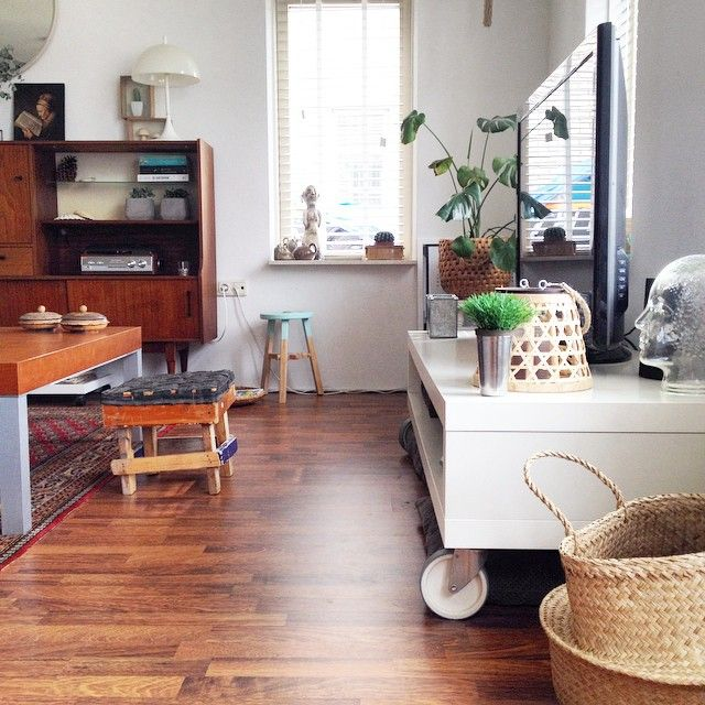 My livingroom. Almost everything was thrifted. And I love it Have a nice evening! #inspo #interior #interiør #instadeco #instahome #instainterior #interior123 #interior444 #interior2you #interior4all #interior4you #interior_and_living #homedeco #vintage  #vintagedeco #vintageliving #teak #teakfurniture #instagreen #instaplants #interiørinspirasjon #nordichome #nordicstyle #scandichome #scandinavianvintage  #showhometop5 #decoracao #loppis #thrifting