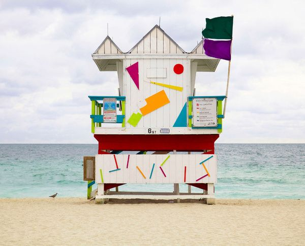These Custom Built Colorful Cabins Allow Liuards To Maintain A Watchful Eye Over Beachgoers In Style Part De Stijl Saved By The