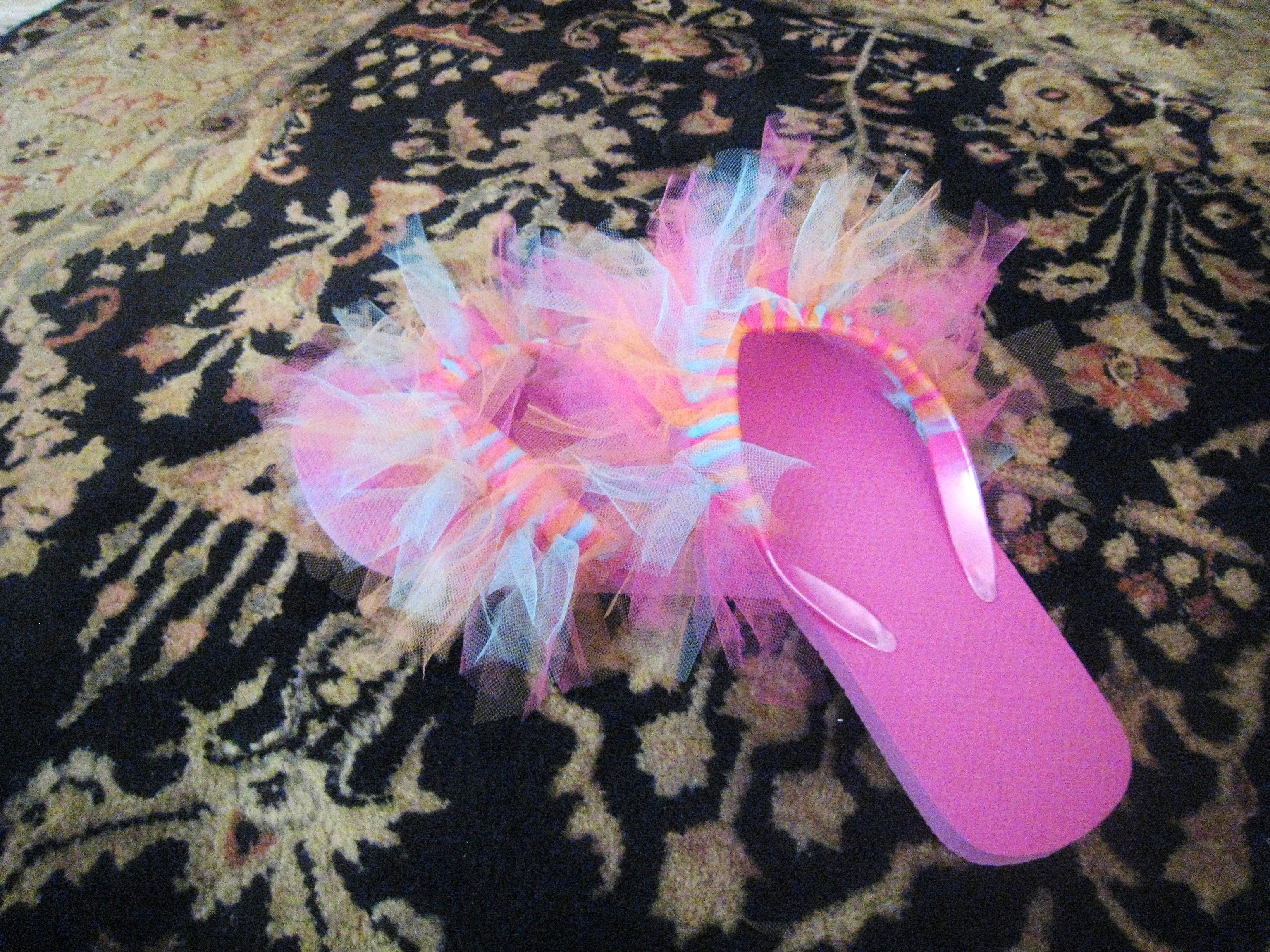 6b6f9ba461ff6 Easy to decorate flip flops with tulle..cut strips minimum of 1.5 ...