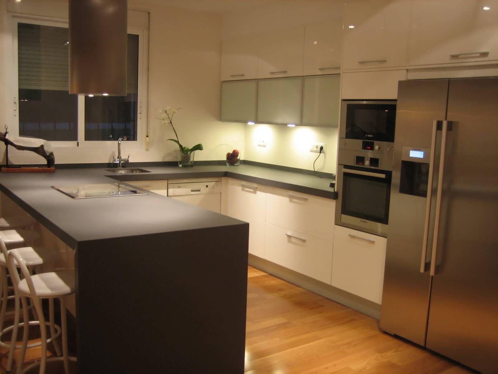 diseño-de-cocinas-pequeñas-y-funcionales-y-diseño-de-interiores-de ...