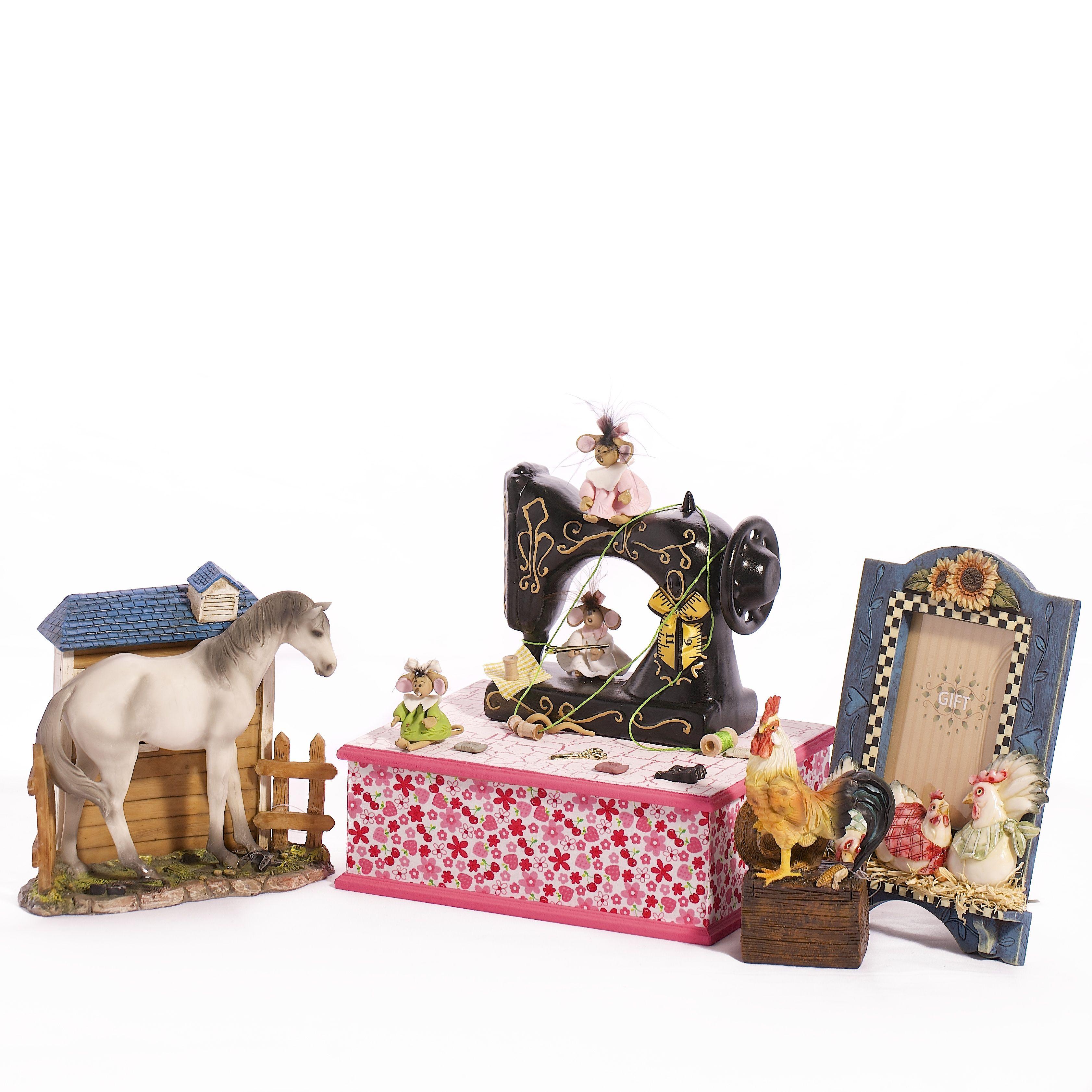 ARTERAMA. Figuras de resina, cestos, artículos navideños, cristal. #Decoestylo