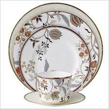 5 China Patterns For The Modern Bride Wedgwood China Dinnerware Sets Square Dinnerware Set