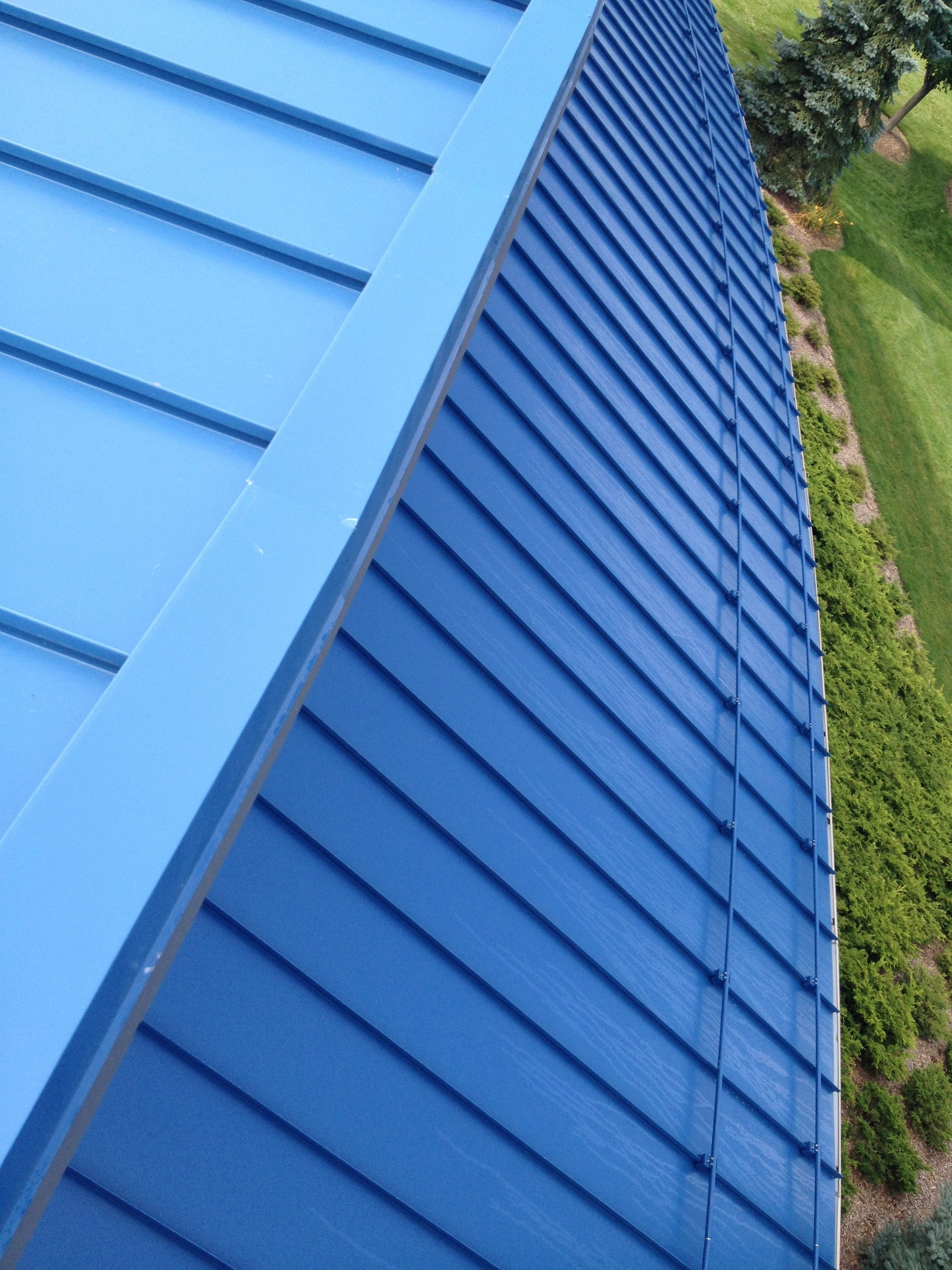 Berridge High Seam Tee Panel Standing Seam Metal Roofing Provides A High Narrow Standing Seam 1 Or 1 1 2 Tall Standing Seam Metal Roofing Systems Metal Roof
