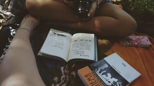 Imagem de books, friends, and cinema