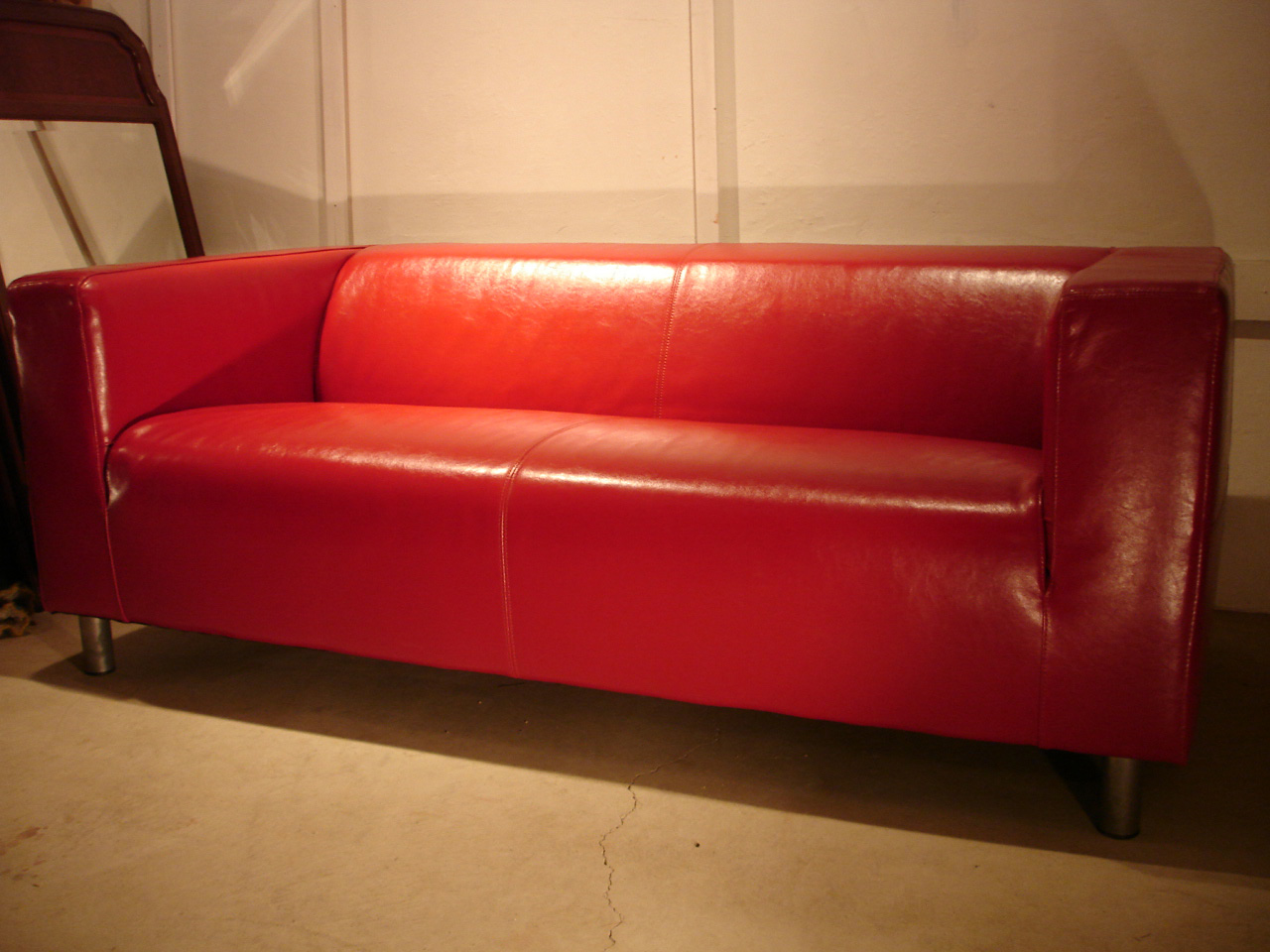- Underground: SALE IKEA / IKEA KLIPPAN KLIPPAN Leather Leather Red