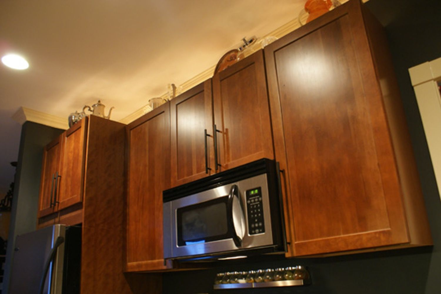 A Brighter Kitchen With Over Cabinet Lighting Over Cabinet Lighting Bright Kitchens Cabinet Lighting