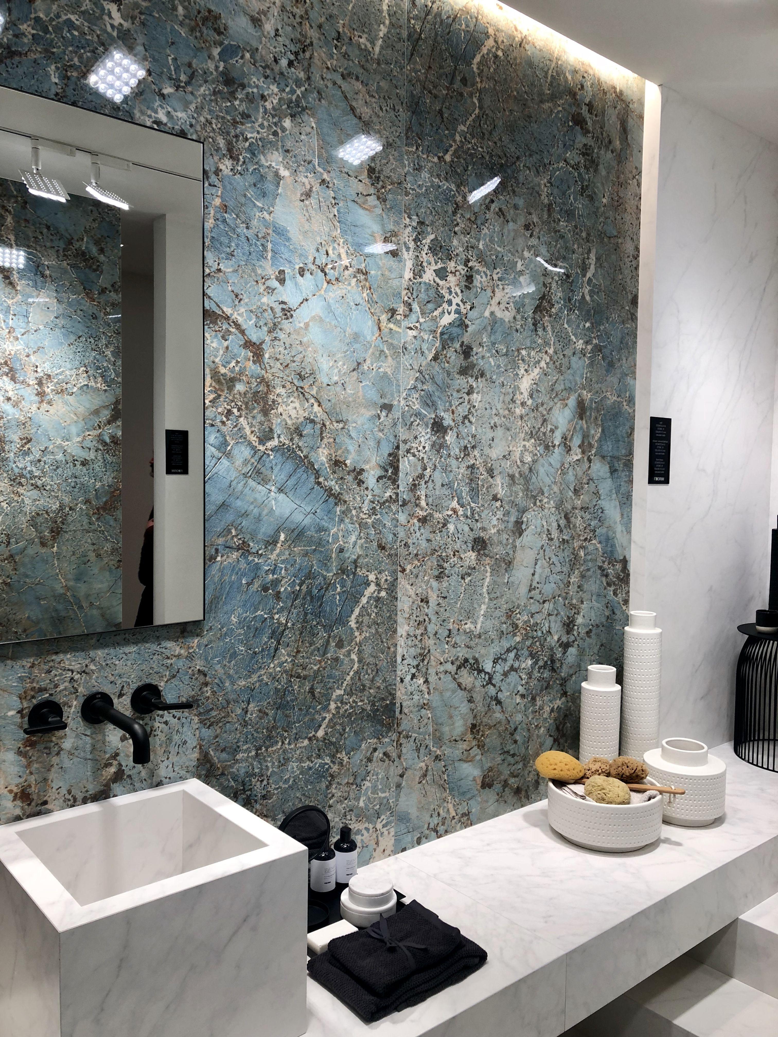 Carrelage imitation marbre bleu nouveauté pour 2019 au salon Cersaie ...