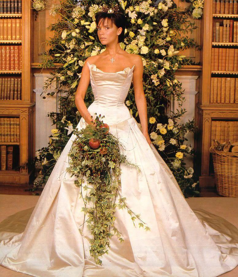 Celebrity Wedding Dress Superlatives Best Use Of Fruit Victoria Beckham Sh Famous Wedding Dresses Victoria Beckham Wedding Dress Victoria Beckham Wedding