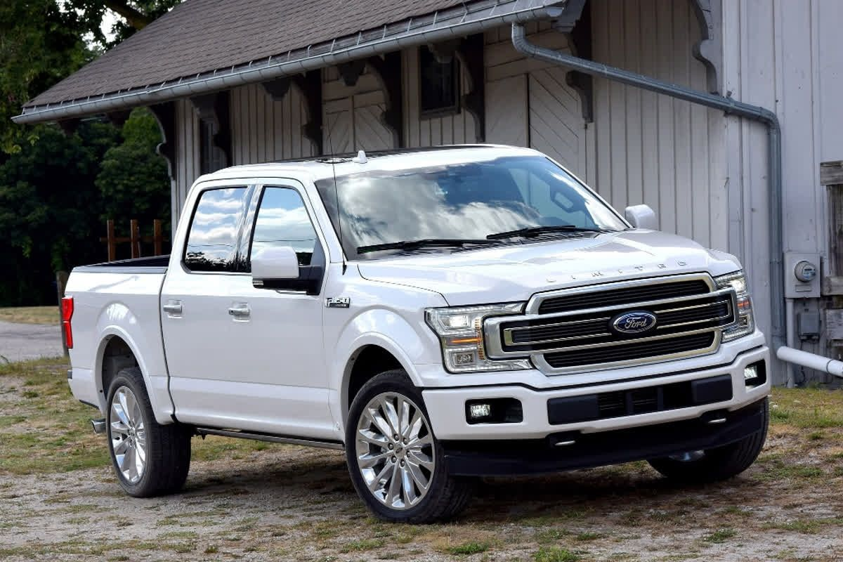 The 2019 Ford F150 SuperCrew has high towing and payload