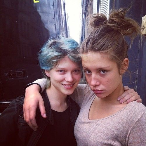 Adele Exarchopoulos Blau Ist Eine Warme Farbe Adele Exarchopoulos And Lea Seydoux Blue Is The Warmest Colour Blue Hair French Actress