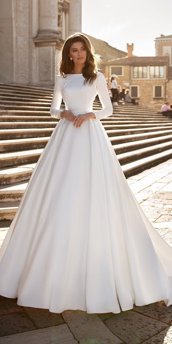 Photo of Wedding Dresses Backless Bling #Chic #Dresses #long #sleeve #Wedding 36 Chic Long Sleeve Wedding Dresses   l…#chic #dresses #long #sleeve #wedding