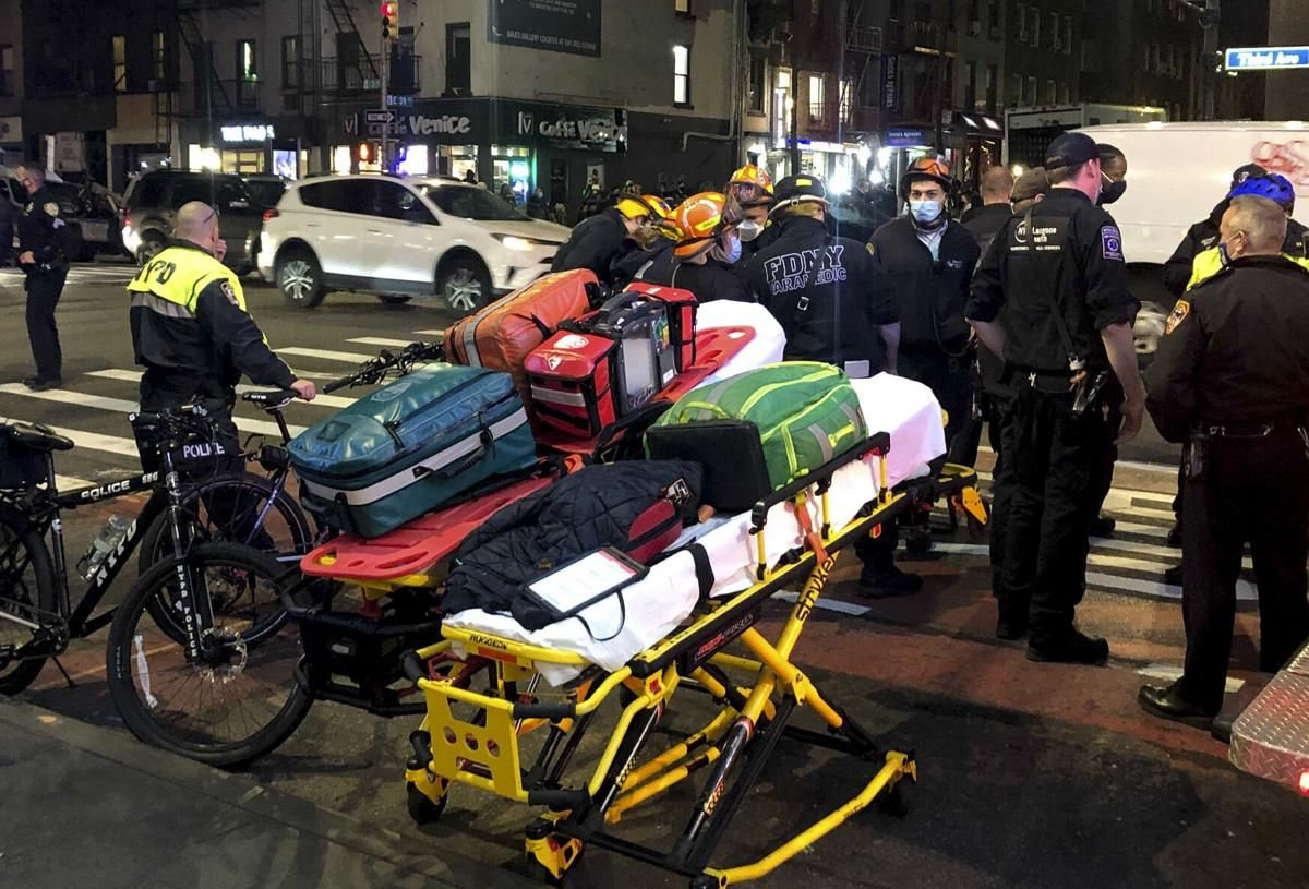 Officials 6 People Injured By Car During Nyc Protest Us World News Wsmv Com Local Police Station Black Lives Matter Black Lives