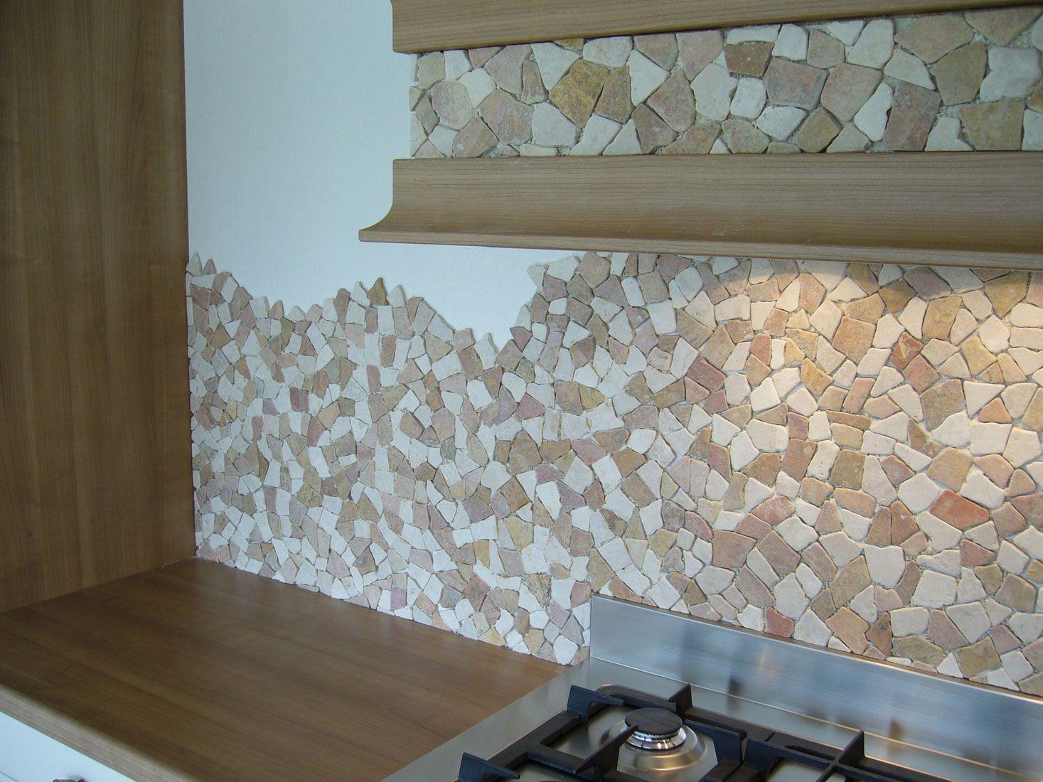 Rivestimento cucina mosaico pietra naturale palladiana su - Rivestimento cucina effetto pietra ...
