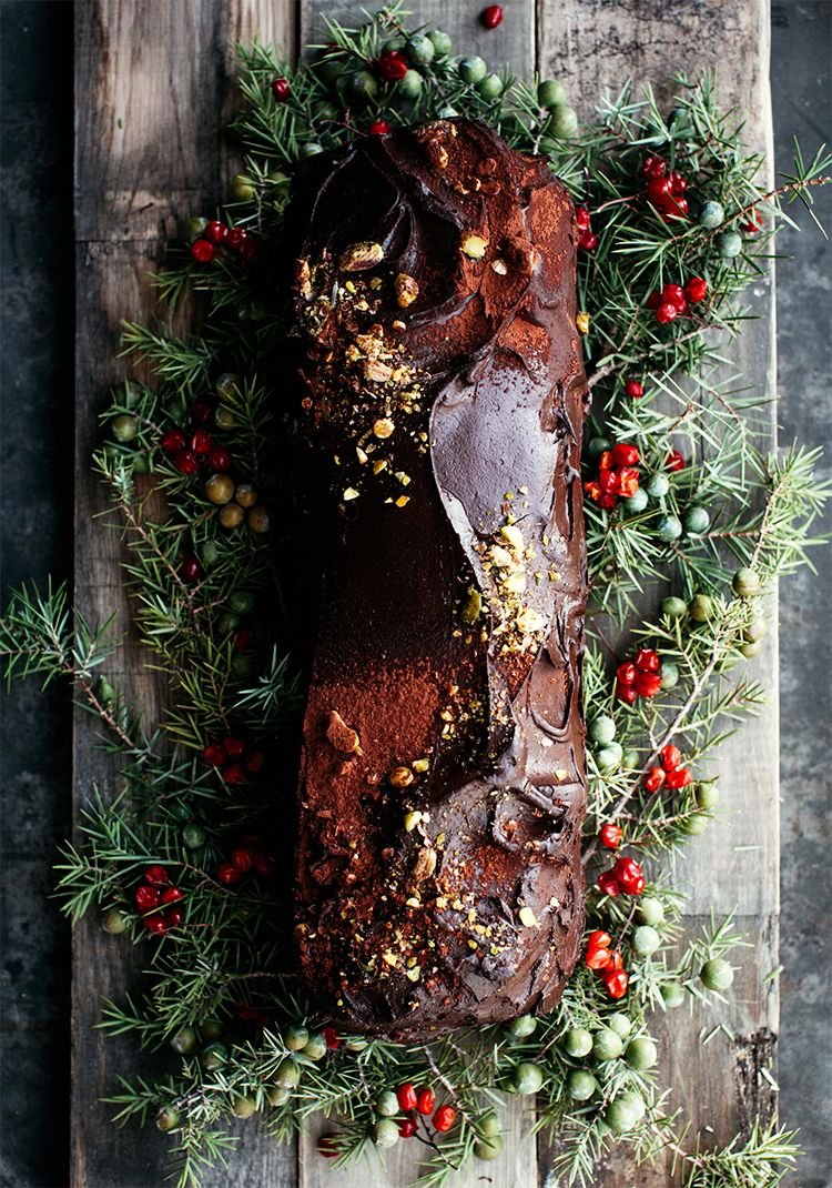 No bake chocolate yule log, with rice krispies & avocado - Trois fois par jour