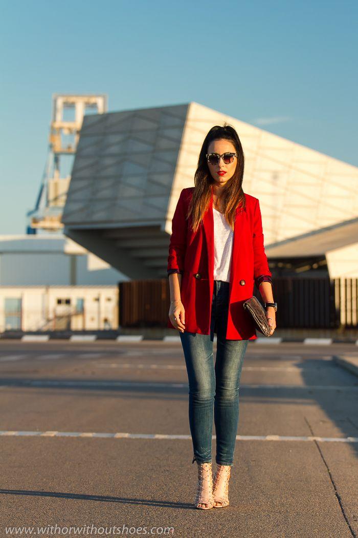 Look Urban Chic con Americana Roja de Hakei 4b0bcd05643