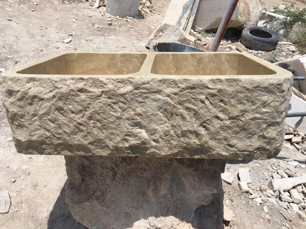 Stone Farmhouse Sink For Kitchen Dimensions 33 X22 X10 50 50 Bowls Chiseled 33x22x10 Bowls Chiseled In 2020 Stone Sink Sink Travertine
