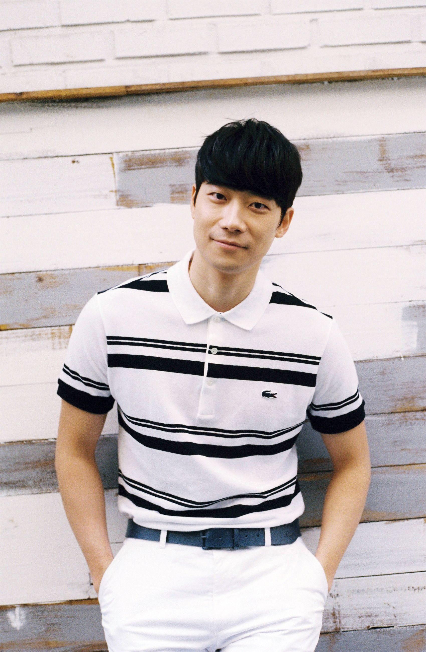 2f7019033b Pianist Han Yoon sporting the striped black and white Slim Fit ...