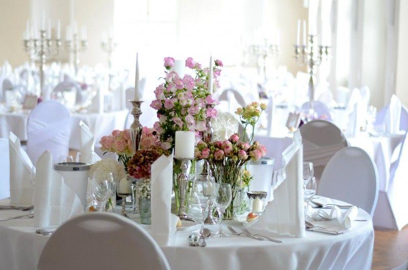 Bildergebnis Fur Tischdeko Runder Tisch Hochzeit Hochzeitsdeko