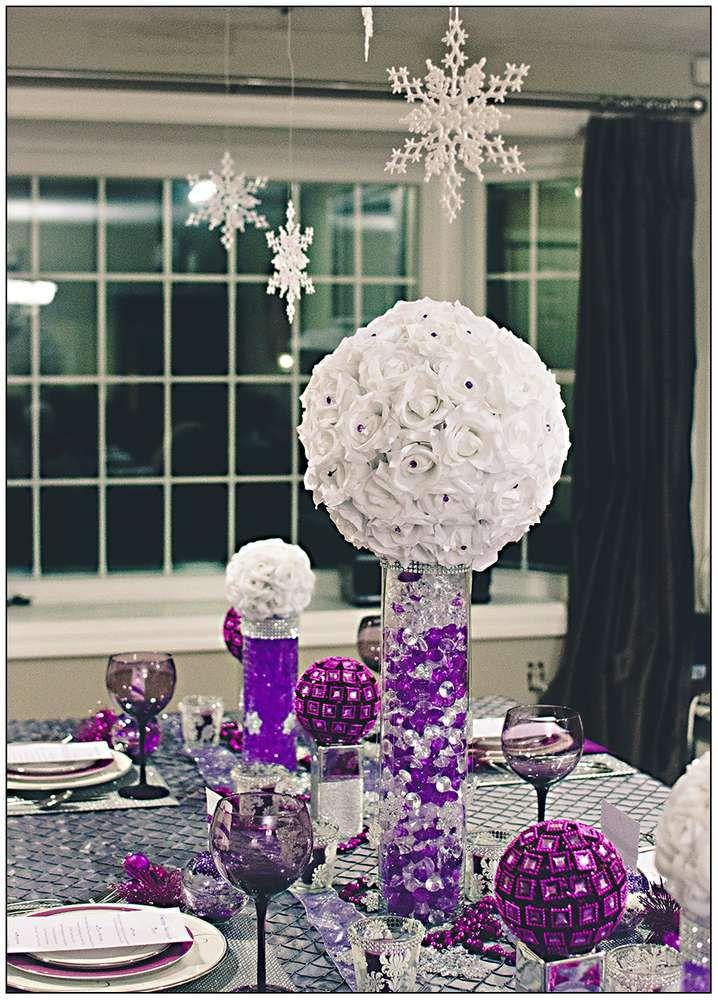 Snowflakes Purple Christmas Holiday Party Ideas Centros De Mesa De Boda Purpura Mesas Centrales De Boda De Invierno Decoraciones De La Boda De Plata