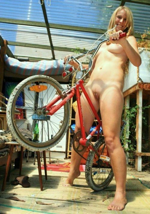 beautiful white women topless