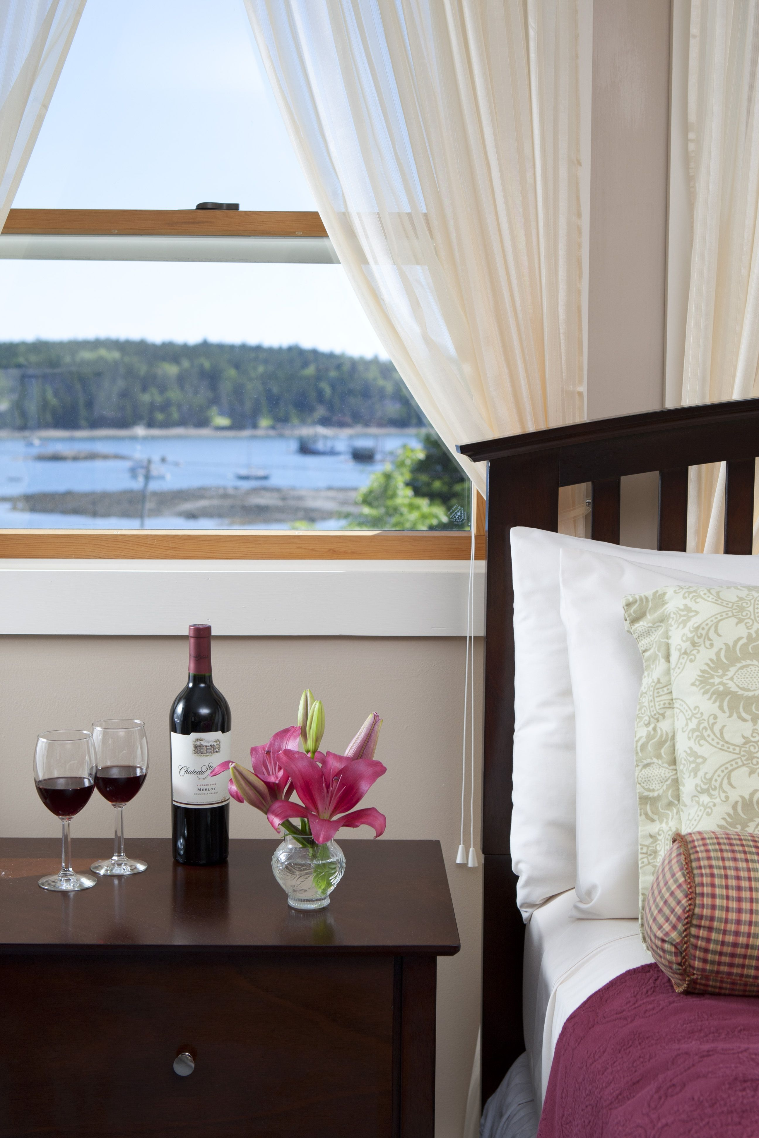 Madison Marie Guestroom Water View at Clark Point Inn Bed