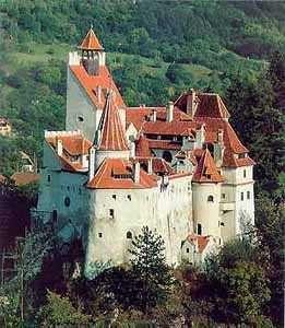 Château De Bran Ou Château De Dracula Brasov Roumanie Draculas Castle Romania Castle Medieval Town