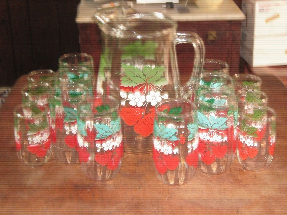Anchor Hocking Vintage Pitcher Glasses Tumblers Strawberry S White Flowers 15 Pc Pitcher Glasses Vintage Pitchers White Flowers