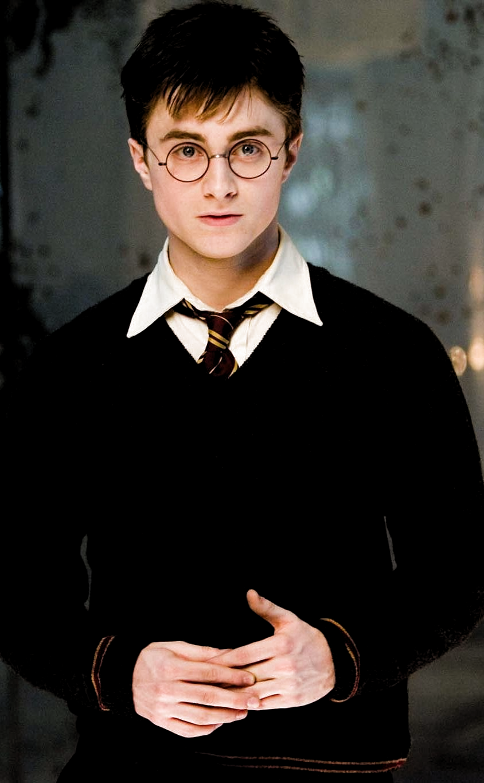 Pin De Sanskriti Vyas Em Harry Potter Em 2020 Atores De Harry Potter Harry Potter Filme Daniel Radcliffe Harry Potter