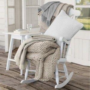 Wauw, ik zie mezelf al zitten in deze schommelstoel. Mooi aangekleed met kussens en een plaid voor als het fris is.