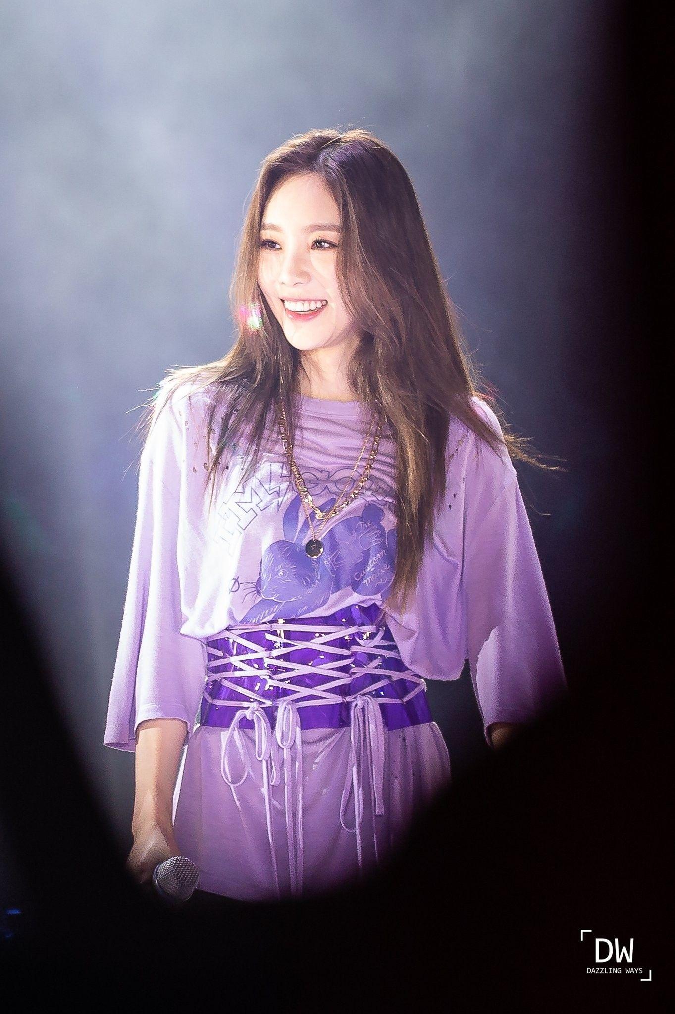 Taeyeon 190112 Solo Concert in singapore - Kore modas