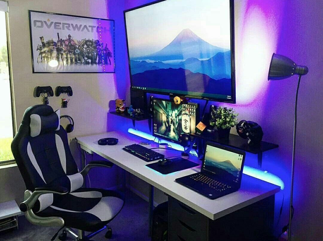 Gaming Desks Free To Play Mmorpg Guides Video Game Rooms Gaming Room Setup Game Room Design