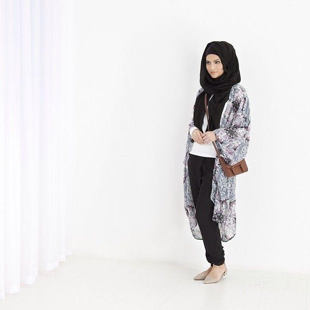 INAYAH | Fashion | Pinterest | Batwing cardigan, Islamic fashion ...