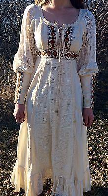 b93de4b2370 Retro-Vintage-1970s-Gunne-Sax-Prairie-Style-Calico-Dress-by-Jessica- McClintock