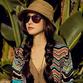 Mujeres playa bohemia del estilo del sombrero