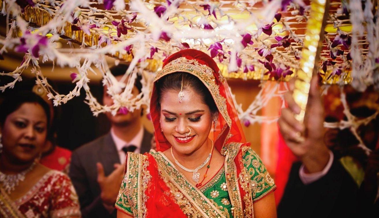 Colourful ceremonies photo by wedding essence kolkata