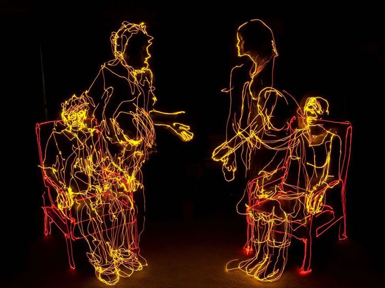 drawing in the dark light pinterest light painting illusions