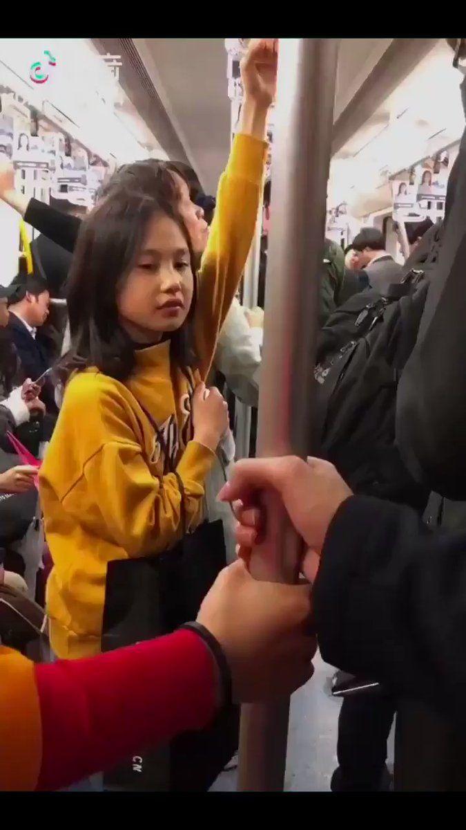 секс видео в метро азиаток