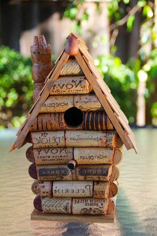 korken vogelhaus vogel ideen pinterest korken vogelhaus vogelhaus basteln und basteln. Black Bedroom Furniture Sets. Home Design Ideas