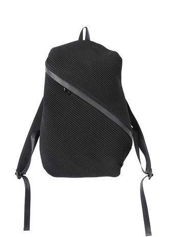 fedc4632ee Cool idea for a laptop bag Bias Pleats Backpack - Issey Miyake ...