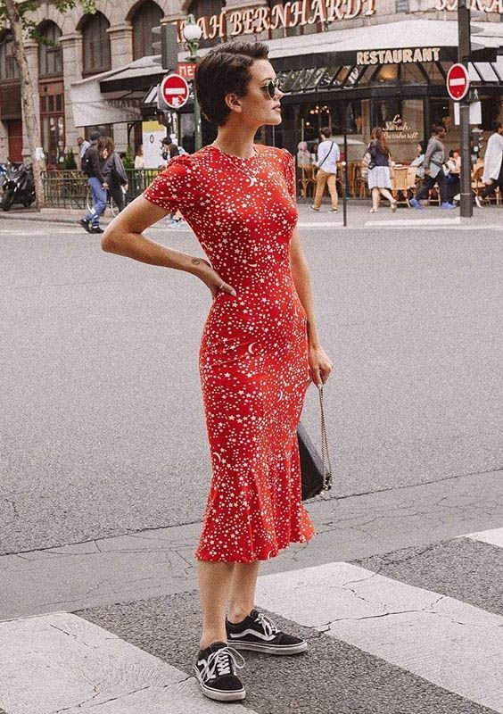 Midi Dress street style fashion  Fashion week Pinterest fromluxewithlove 585679126517440565