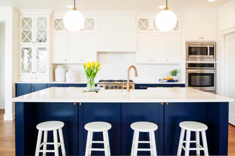 Cuisine bleu gris canard ou bleu marine code couleur et id es de d co cuisines pinterest - Cuisine bleu marine ...