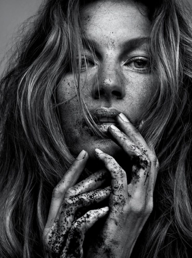 Gisele Bündchen by Zee Nunes, Paulo Vainer, Henrique Gendre, Gui Paganini, Bob Wolfenson for Vogue Brazil May 2015 35