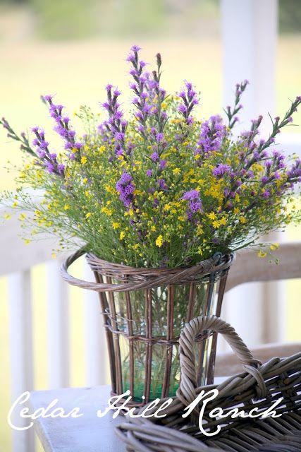 Cedar Hill Ranch: Arranging Flowers