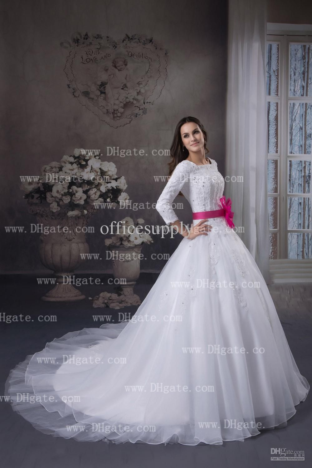 Long sleeves lace wedding dresses backless long court train