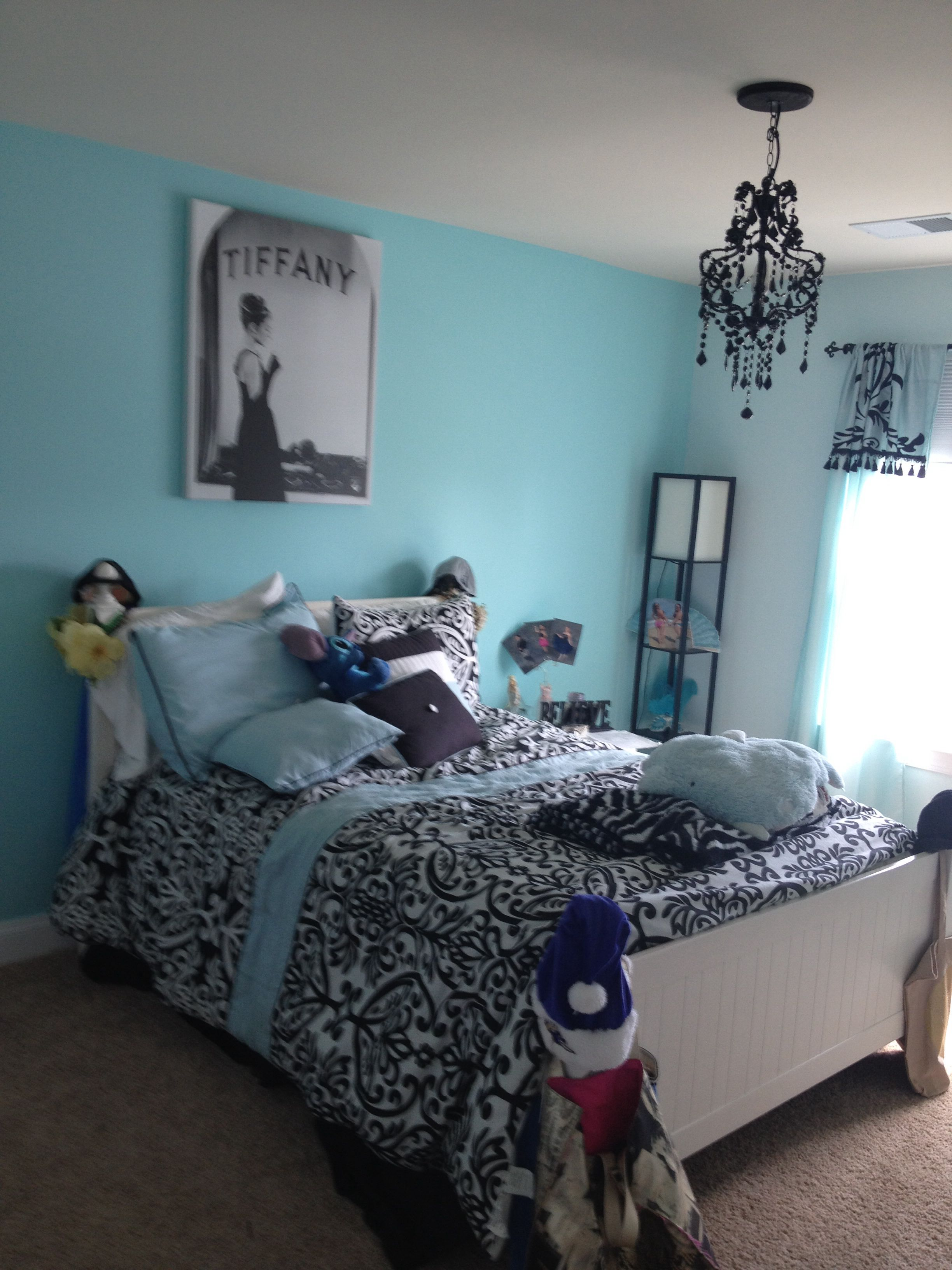 sis room tiffany blue my house tiffany blue rooms tiffany blue bedroom blue bedroom. Black Bedroom Furniture Sets. Home Design Ideas
